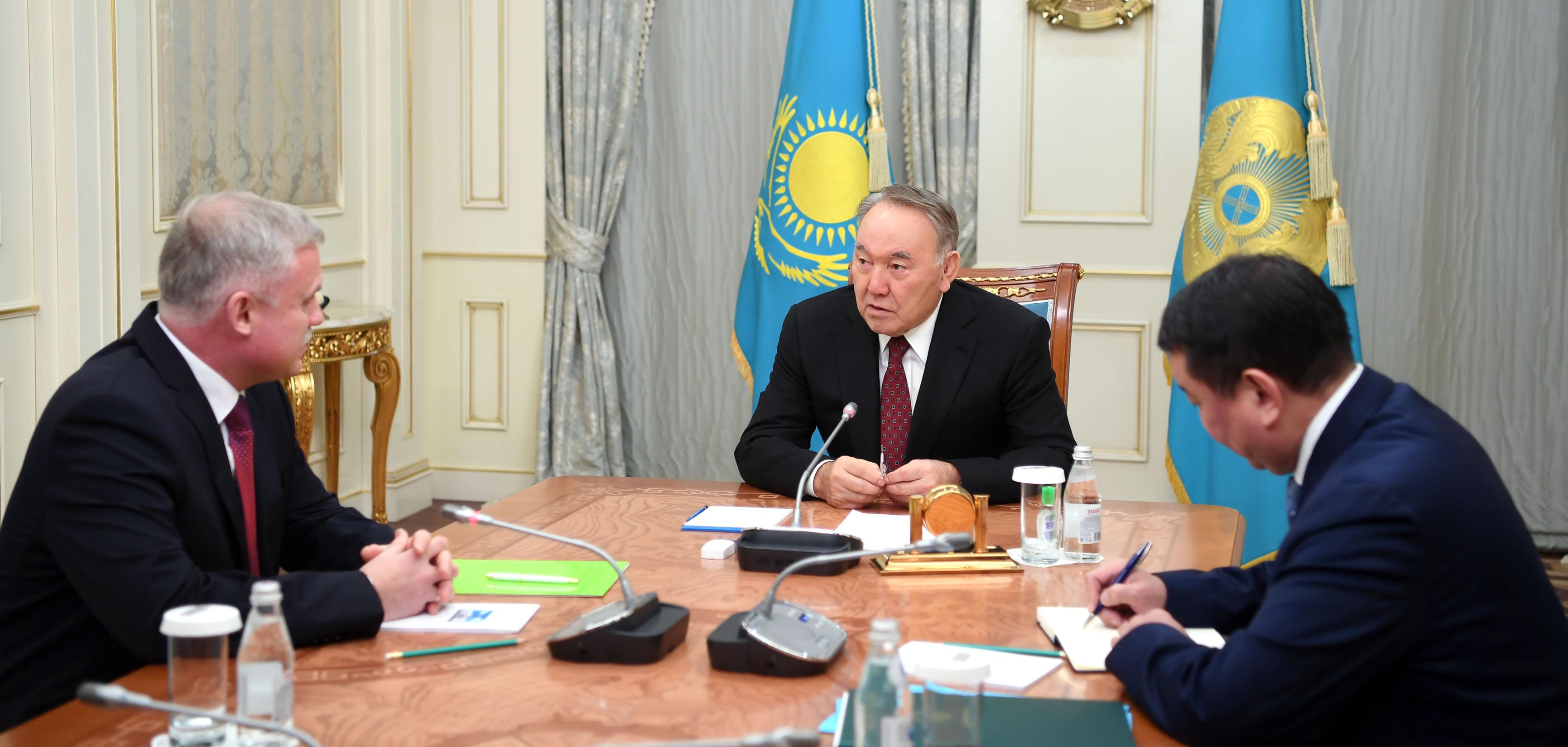 Назарбаев встретился с госсекретарём Совбеза Белоруссии