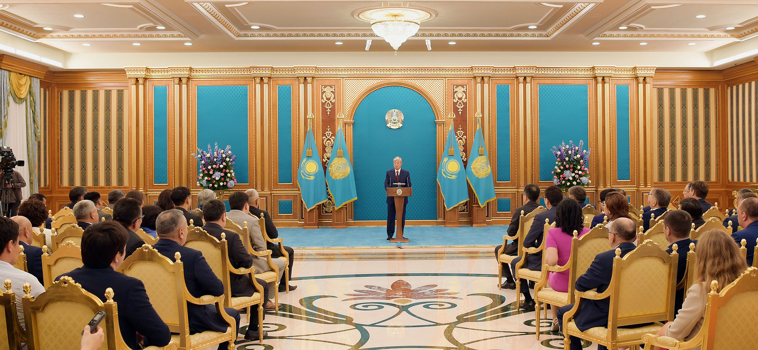 Касым-Жомарт вручил премии и гранты в области средств массовой информации