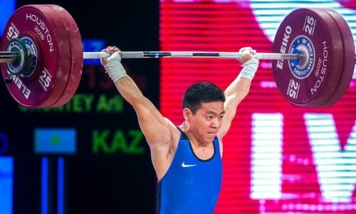Чонтей завоевал для Казахстана первую медаль на ЧМ по тяжелой атлетике