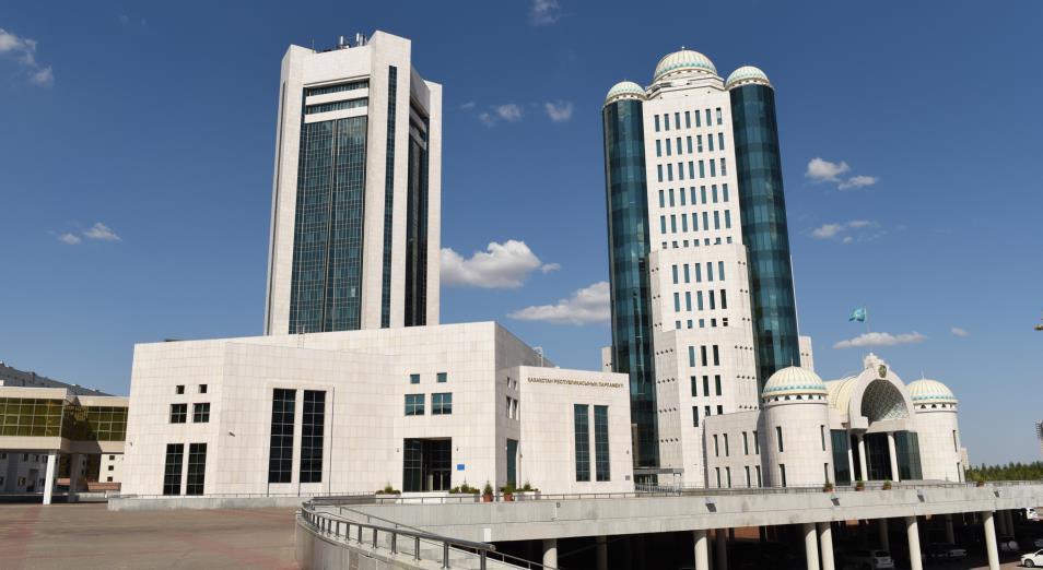 Сенат одобрил поправки в трехлетний бюджет