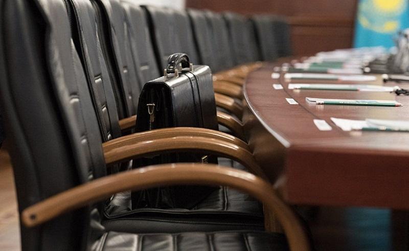 Сенат освободил от должности двух судей Верховного суда