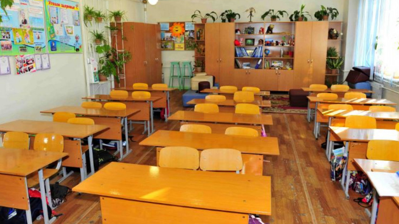 Как в школах Алматы пройдет вручение аттестатов