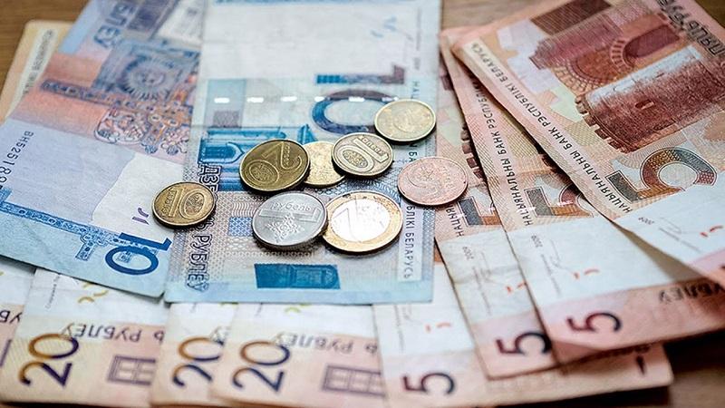 Зарплаты сократились за время пандемии COVID-19 у 40% россиян
