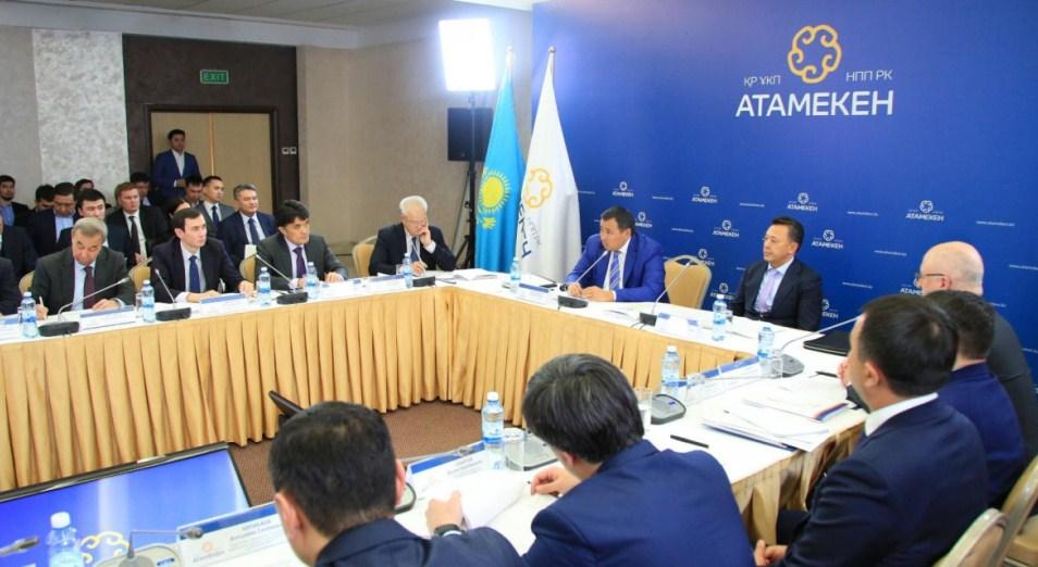Сауат Мынбаев стал председателем комитета президиума НПП РК «Атамекен»
