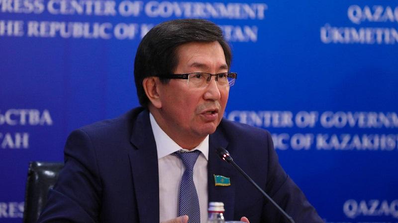 Депутаты избрали председателя комитета вместо Гульшары Абдыкаликовой