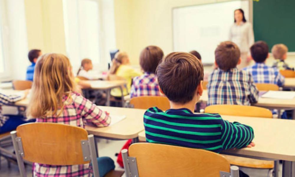 Половина всех трехсменных школ в РК приходится всего на три региона