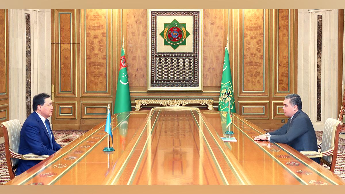 Аскар  Мамин провел переговоры с Президентом Туркменистана Гурбангулы Бердымухамедовым