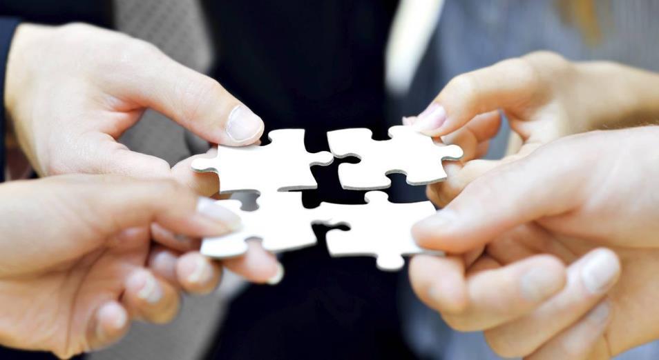 Кто «играет в интеграцию»?