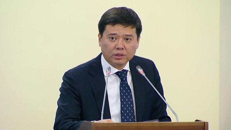 Как принимал граждан министр юстиции в Nur Otan?