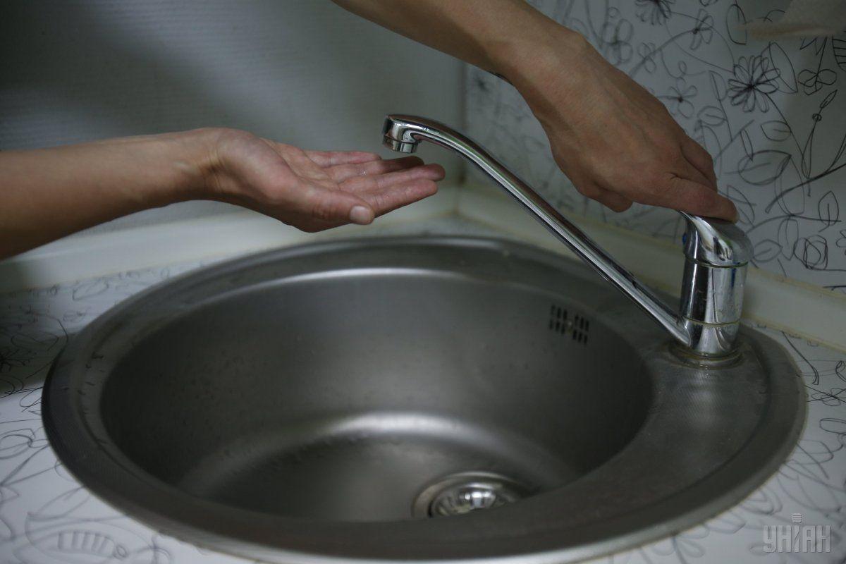 В Астане из-за аварии на водопроводе без воды остались дома и учреждения вдоль улиц Сыганак и Туркестан