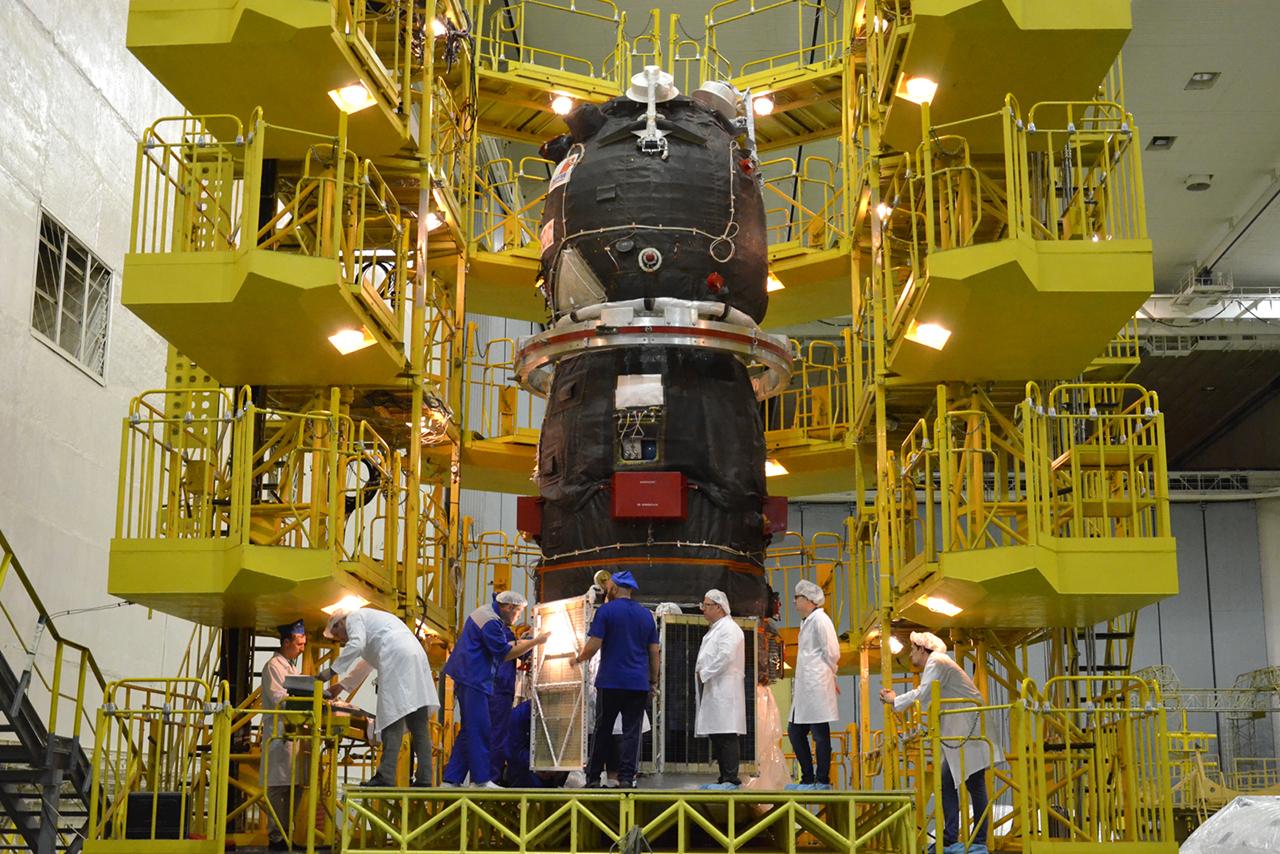 """Космический грузовик """"Прогресс МС-15"""" на Байконуре начали готовить к отправке на МКС"""