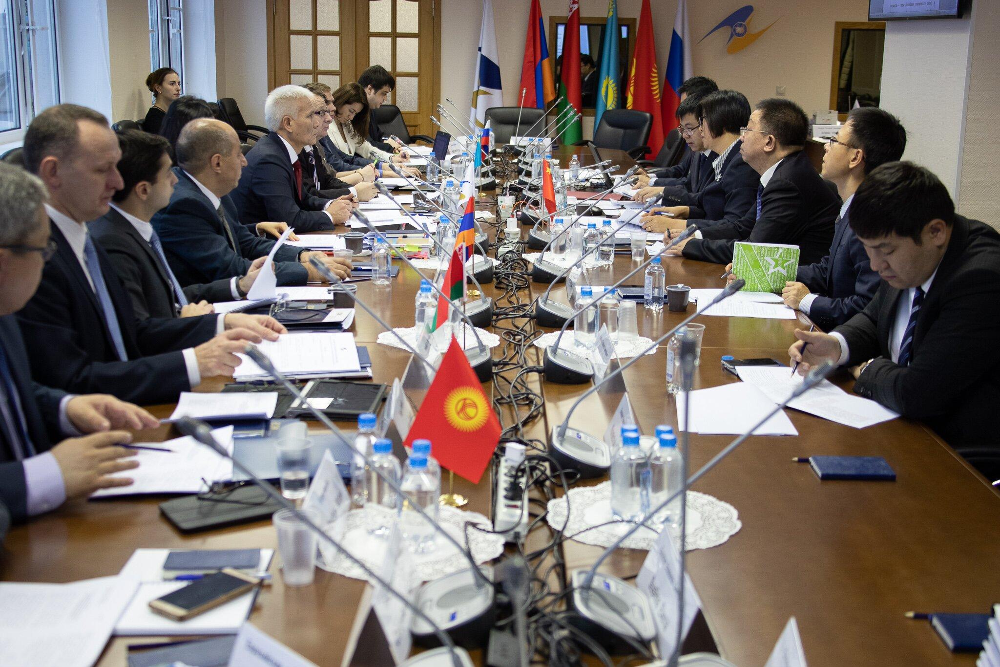 Страны ЕАЭС и Китай обсуждают соглашение об обмене таможенной информацией