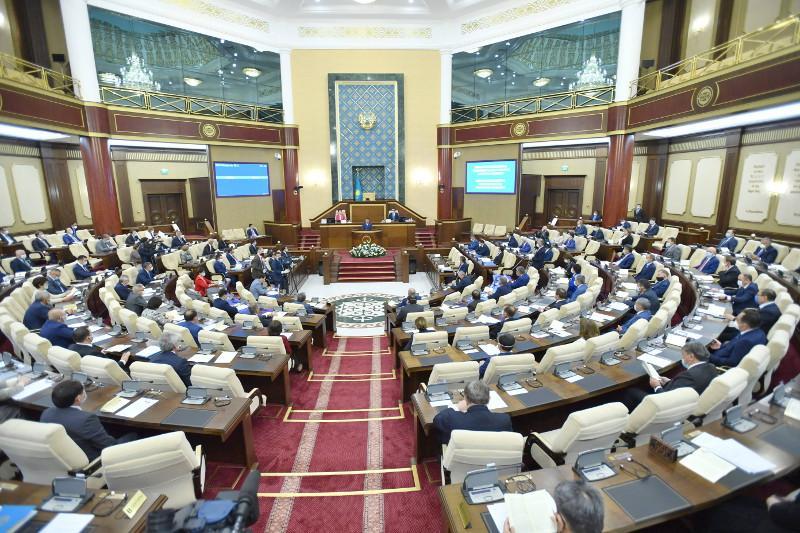 Бюджет-2019: парламент утвердил отчеты правительства и счетного комитета