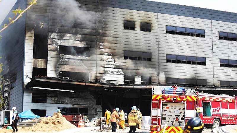 38 человек погибли во время пожара в Южной Корее