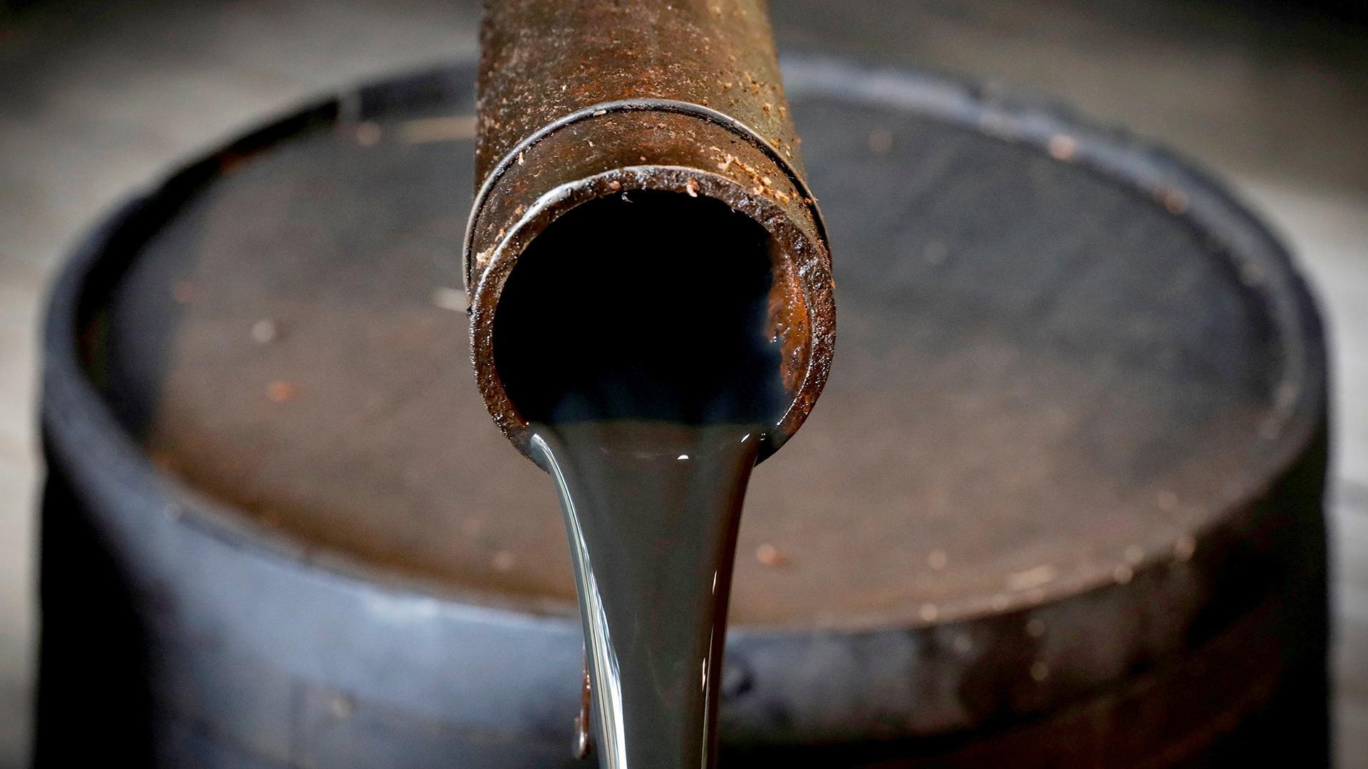 Казахстан может начать экспорт бензина в Кыргызстан
