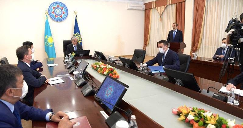 Президент РК провел расширенное заседание коллегии Комитета нацбезопасности