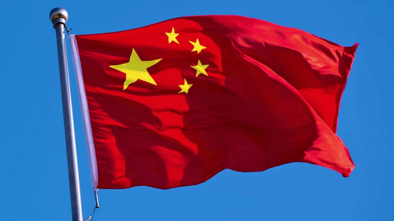 Китай готовится ужесточить закон о защите государственного флага