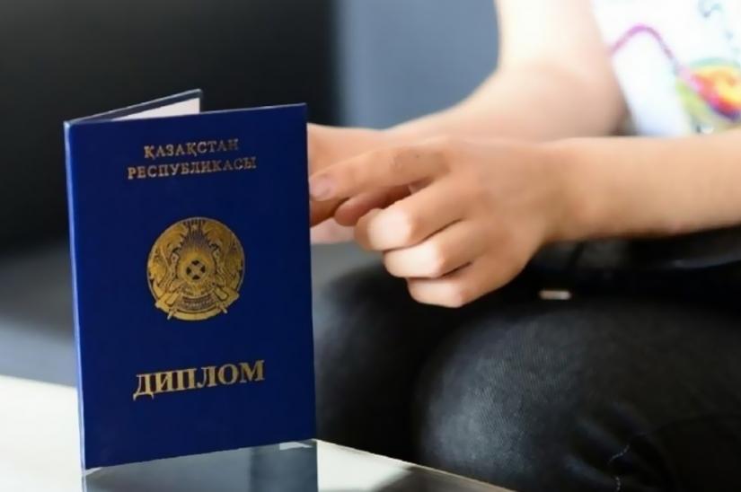 Программу «С дипломом в село» предлагают распространить на госслужащих