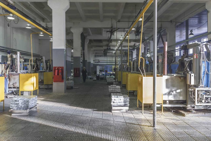 Завод по выпуску комплектующих для пластиковых окон запустили в Алматинской области