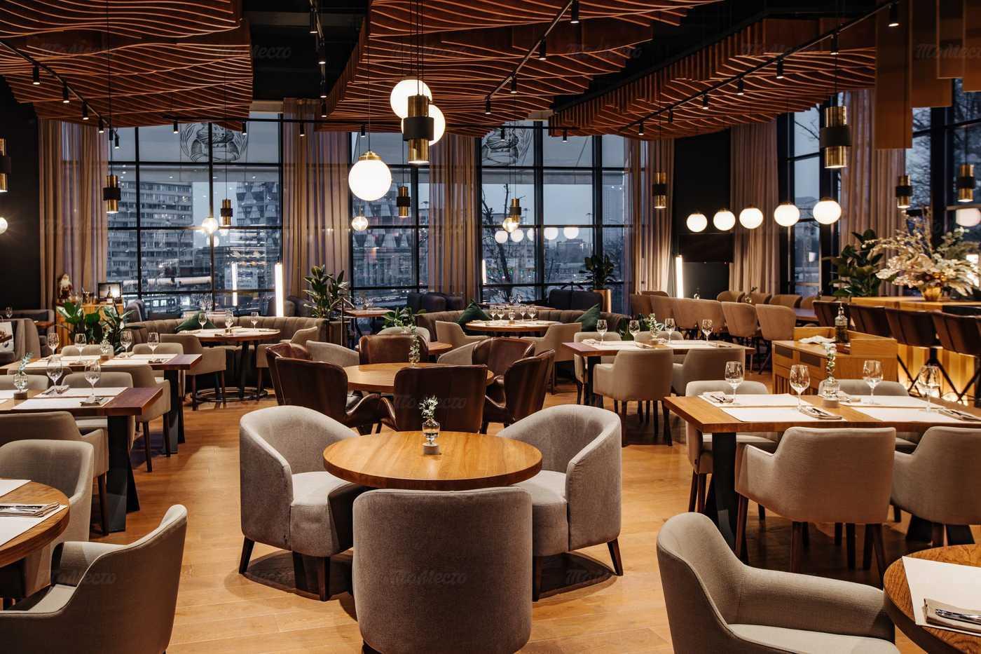 Ресторанный рынок в России снизился на 42,9%