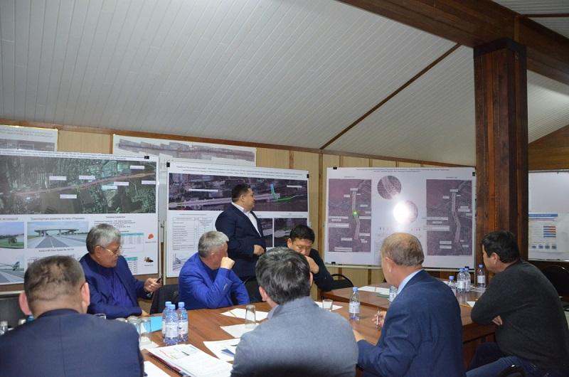 Мост на станции Шамалган, где столкнулись автобус и поезд, намерены начать в декабре