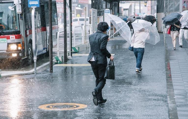 В Японии в результате сильных ливней погибло более 60 человек