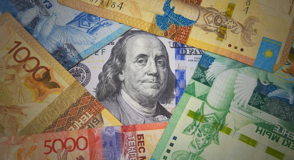 Доллар снова пробует «400» в обменниках