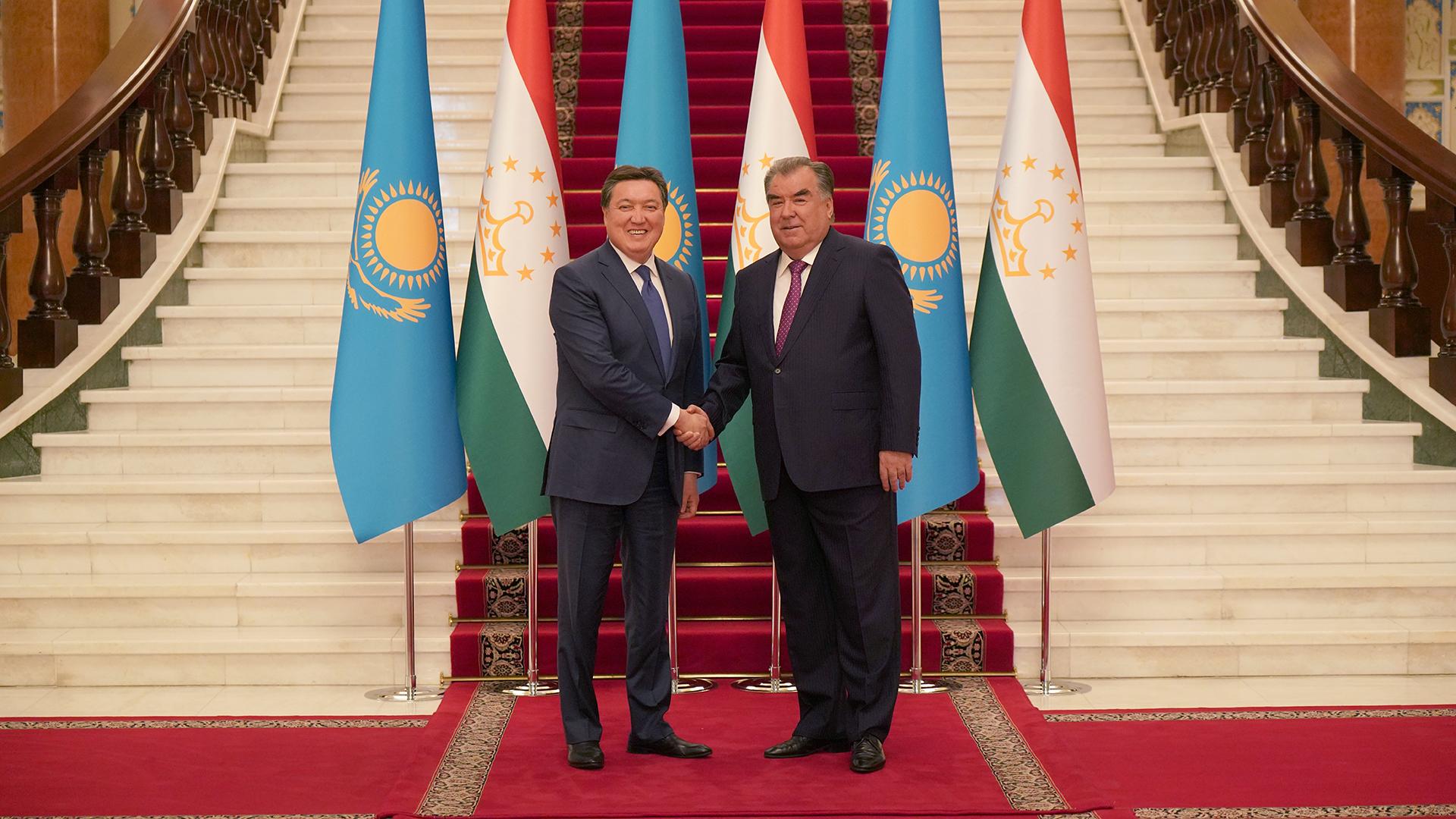 Казахстан и Таджикистан намерены реализовать проекты на $80 млн