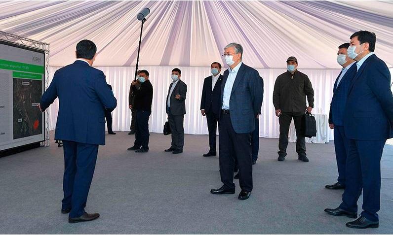 Президент РК посетил солнечную электростанцию в Акмолинской области