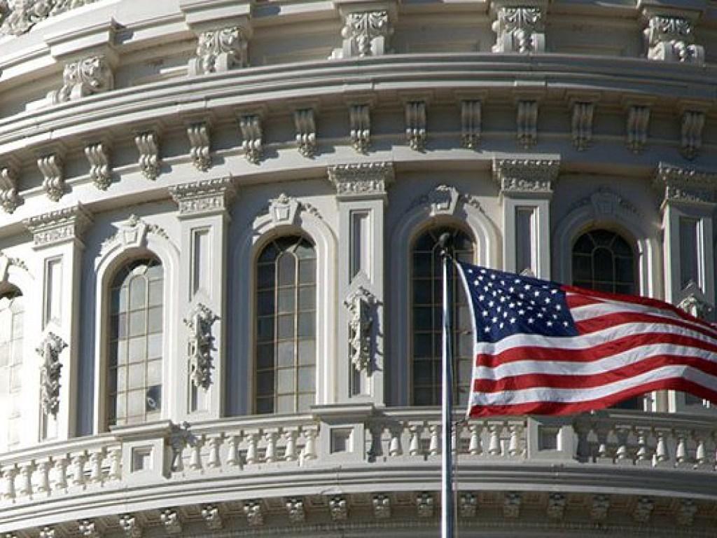 Минфин США объявил о введении санкций в отношении 20 компаний и банков из Ирана