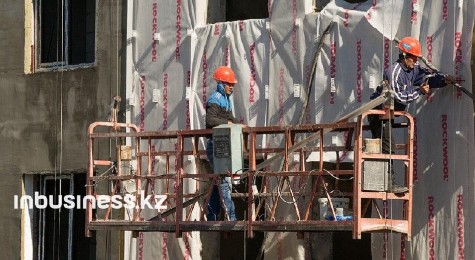 Капитальные инвестиции в строительную сферу упали вдвое
