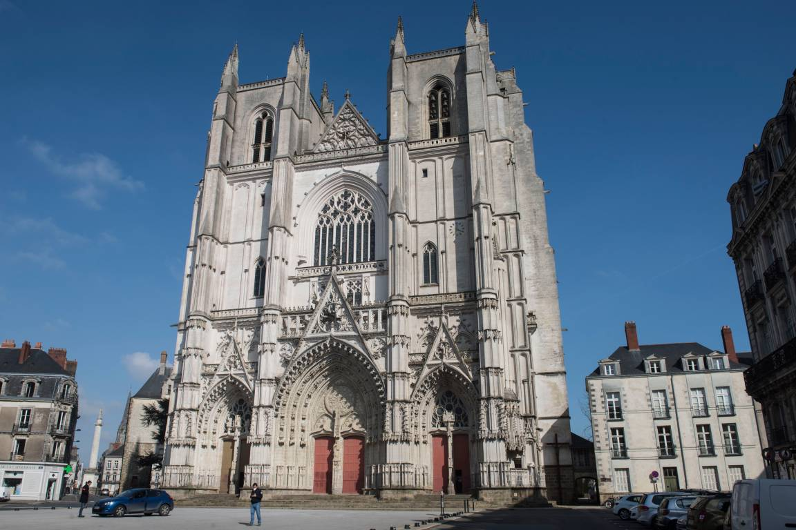 Огонь уничтожил орган в соборе XV века в Нанте