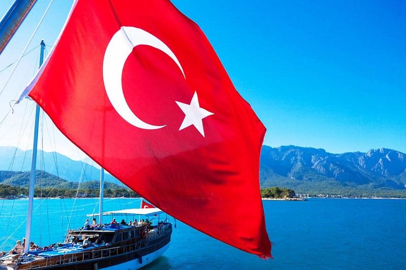 С 1 июня Турция отменяет запрет на междугородние поездки