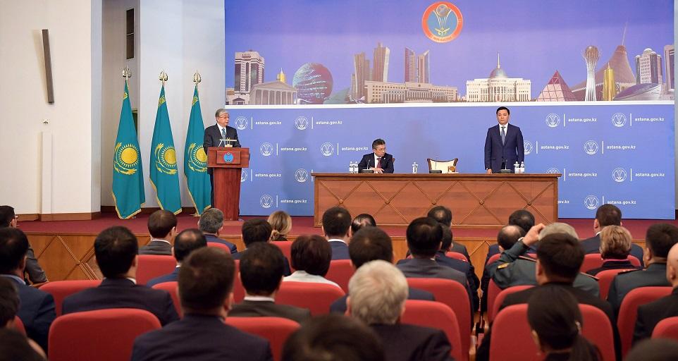 Президент РК провел встречу с активом Нур-Султана
