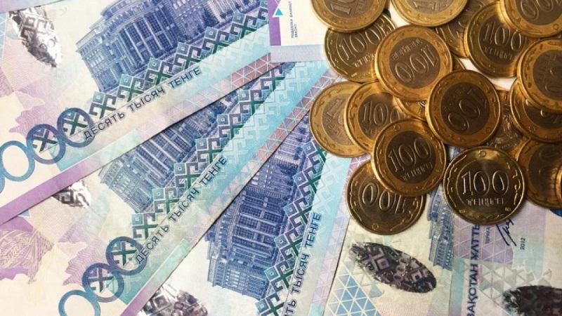 У скольких казахстанцев доход на члена семьи менее 50 тысяч тенге