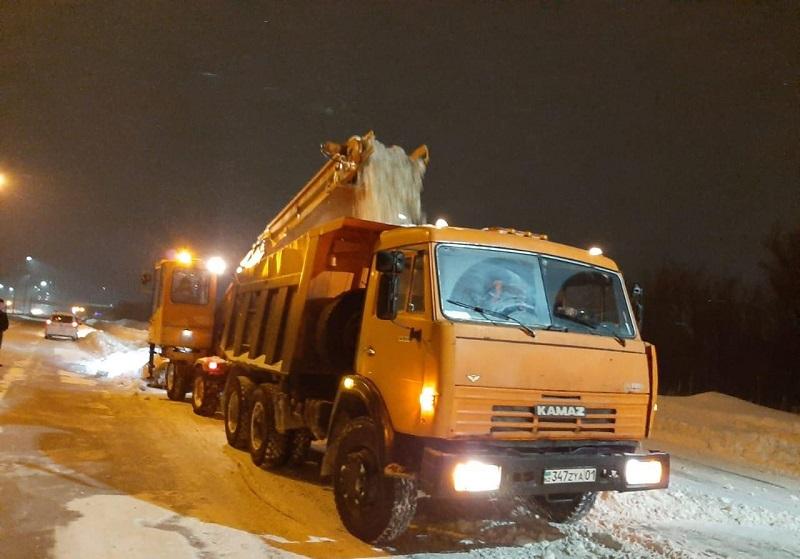 В Нур-Султане вывезено около двух миллионов кубометров снега