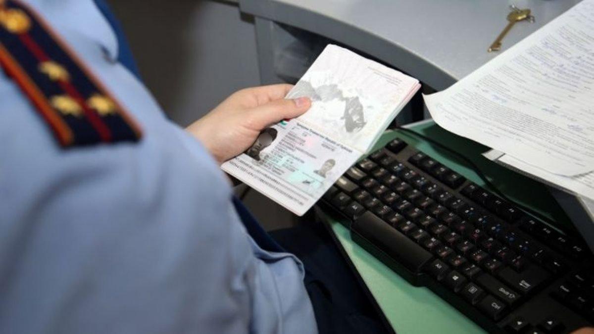 Иностранцам продлят визы и рабочие разрешения