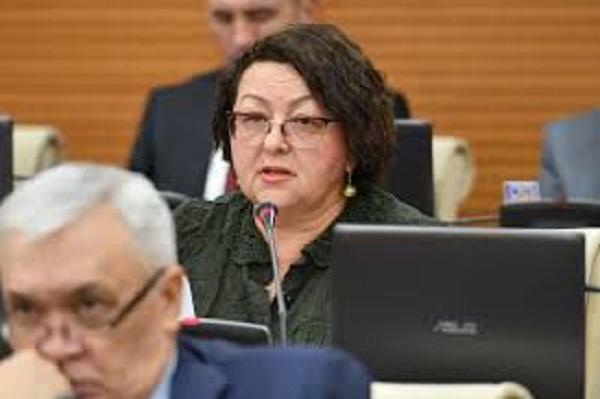 Депутат мажилиса Смирнова стала волонтером в борьбе с COVID-19