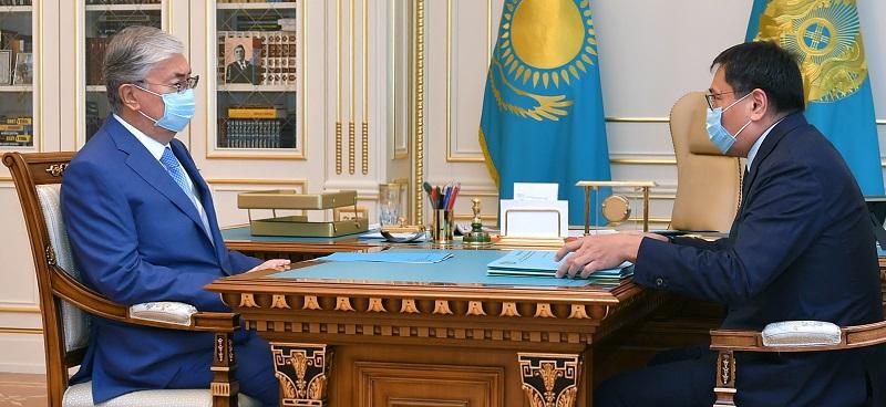Глава Нацбанка доложил Токаеву о мерах развития пенсионной системы