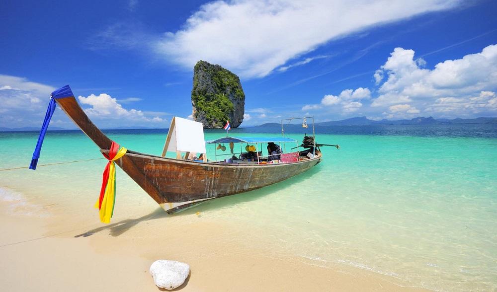 В Таиланде открылось большинство аэропортов и некоторые туристические объекты