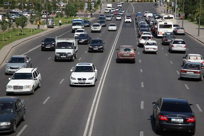 В Казахстане два из трех автомобилей старше 10 лет