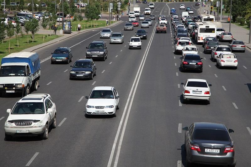 Число зарегистрированных автомобилей в Казахстане в январе – ноябре уменьшилось на 0,7%