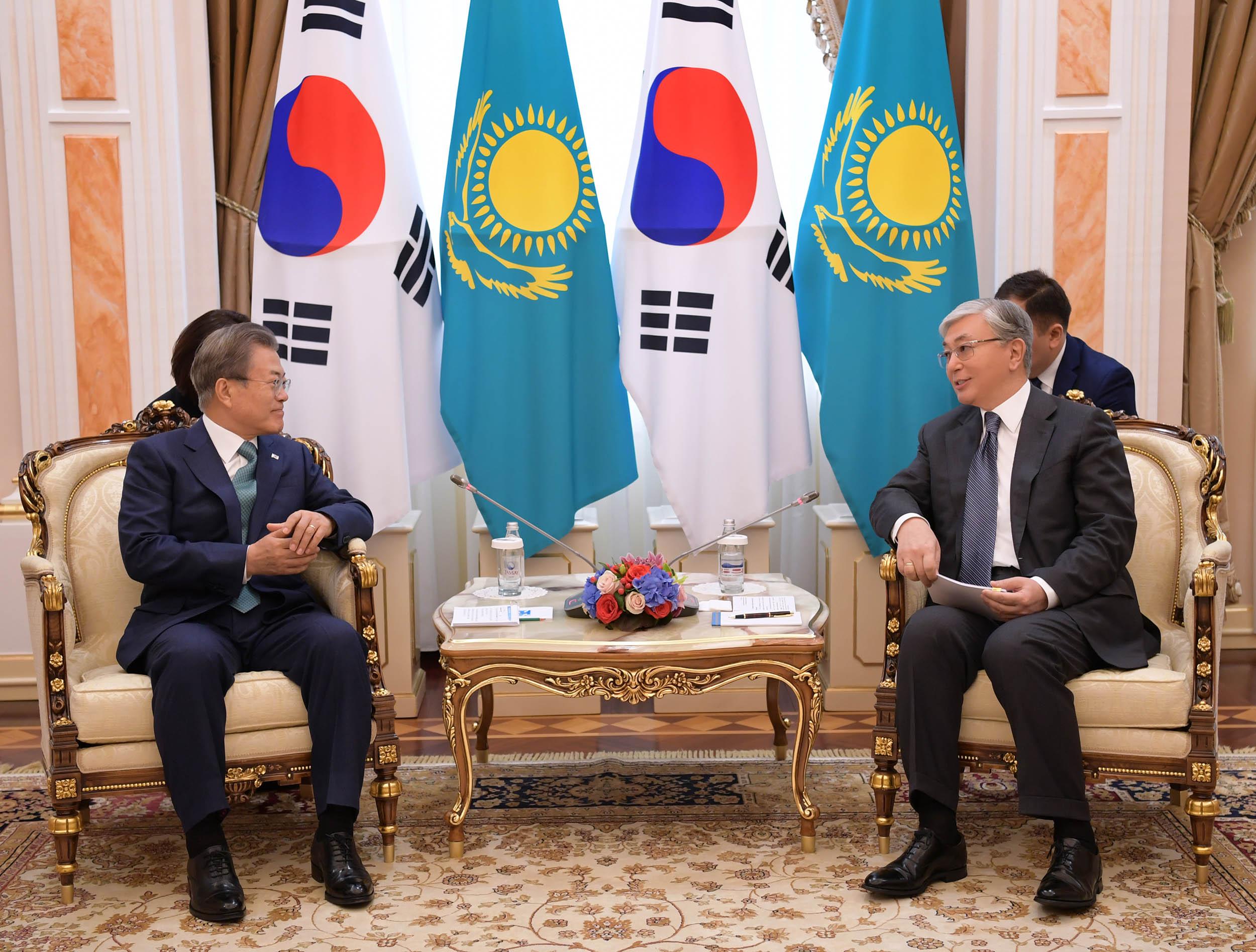 Касым-Жомарт Токаев провел переговоры с президентом Республики Корея
