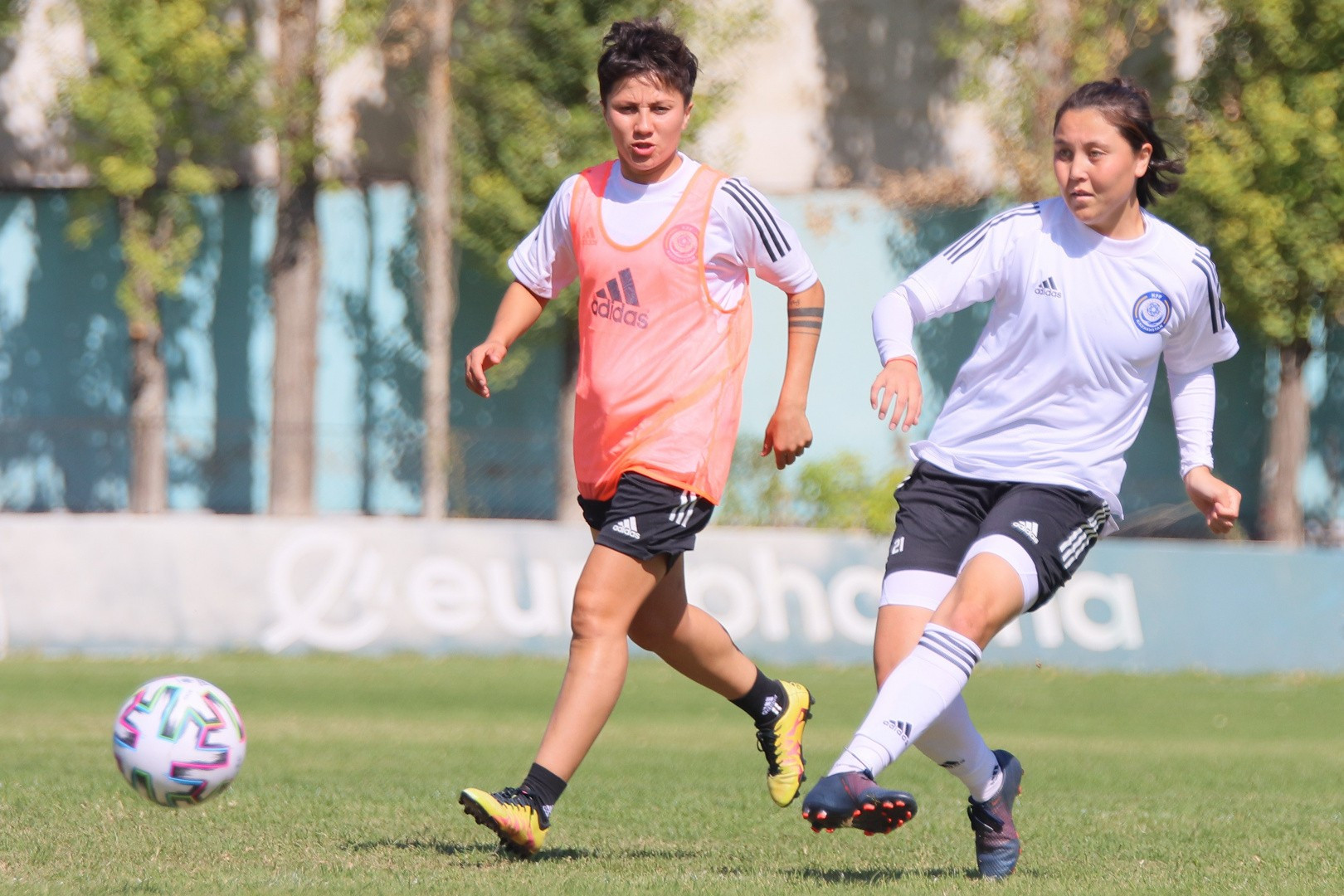 Женская команда Казахстана по футболу уступила Австрии в отборе на ЕВРО-2022