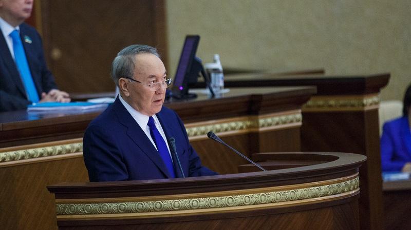 Назарбаев проведет в пятницу совещание с членами кабмина, партии Nur Otan