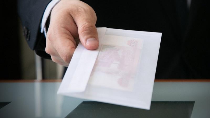 Количество правонарушений в сфере взяточничества растет