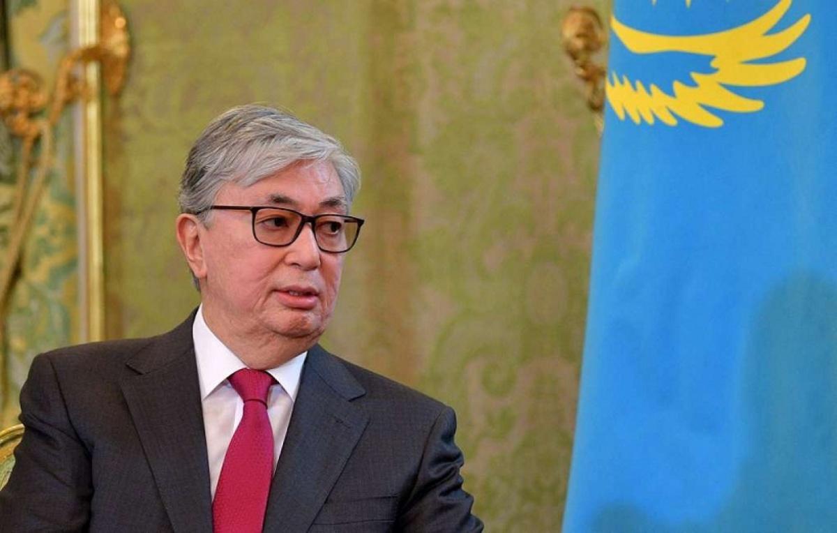 Президент Казахстана поручил начать подготовку мероприятий к 175-летию Абая