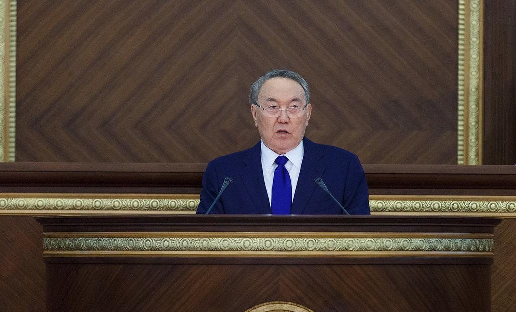 Президент РК и правительство работают в тревожном режиме – Назарбаев
