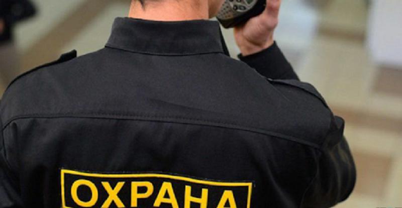 В Казахстане не хватает охранников и медсестер