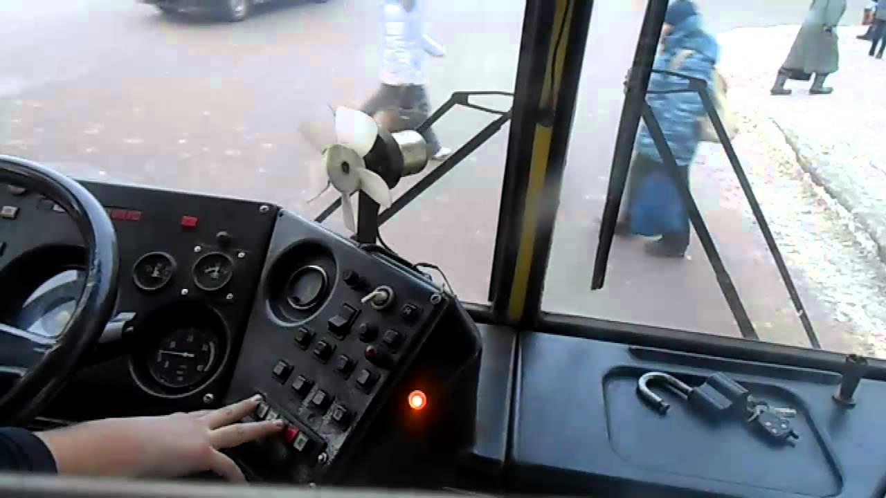 В столице временно изменится график движения двух автобусов